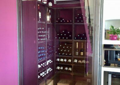 cave à vin vitrée en acier brut