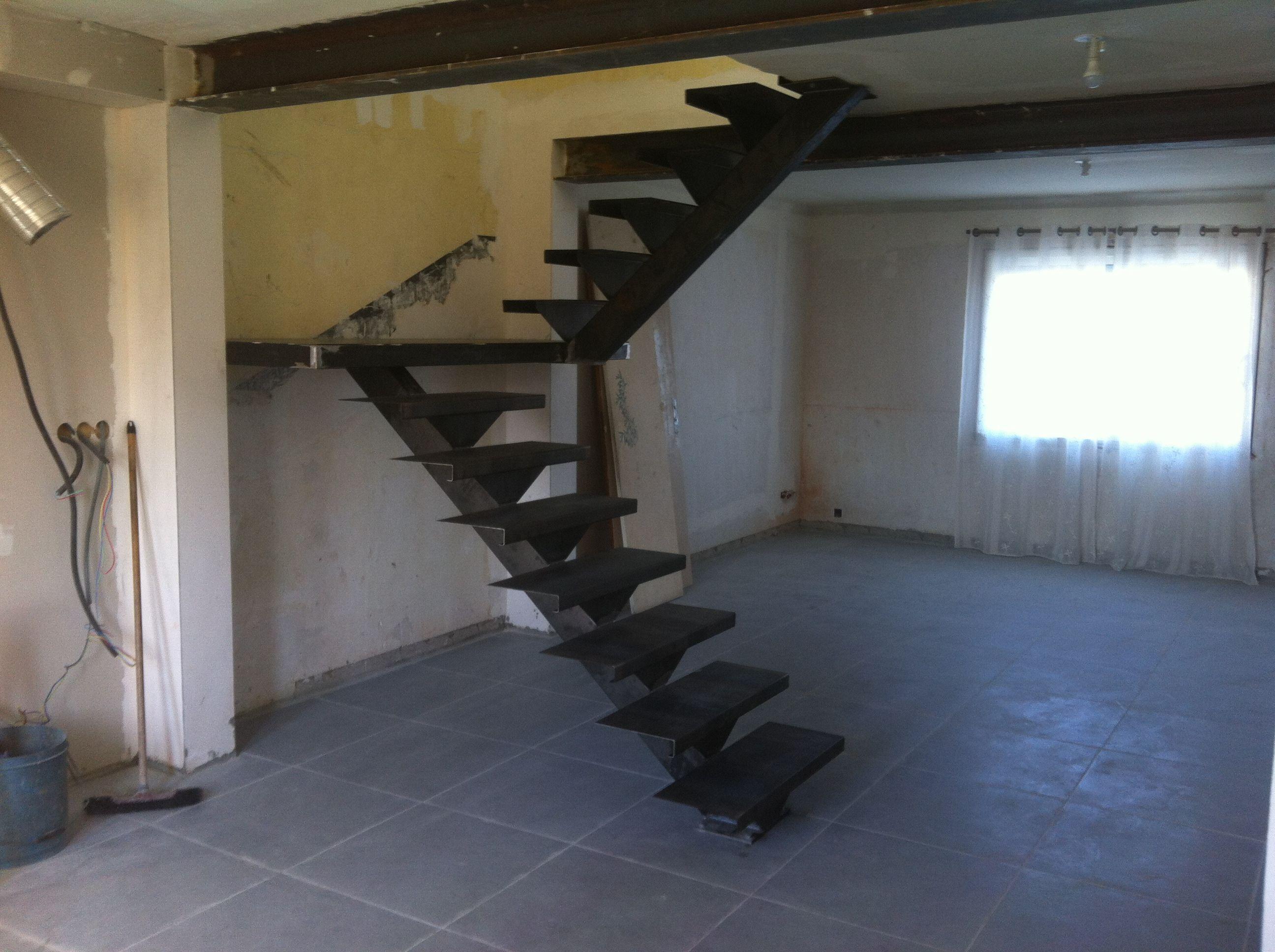 Deco palier escalier a droite du palier la suite des for Escalier demi tour avec palier