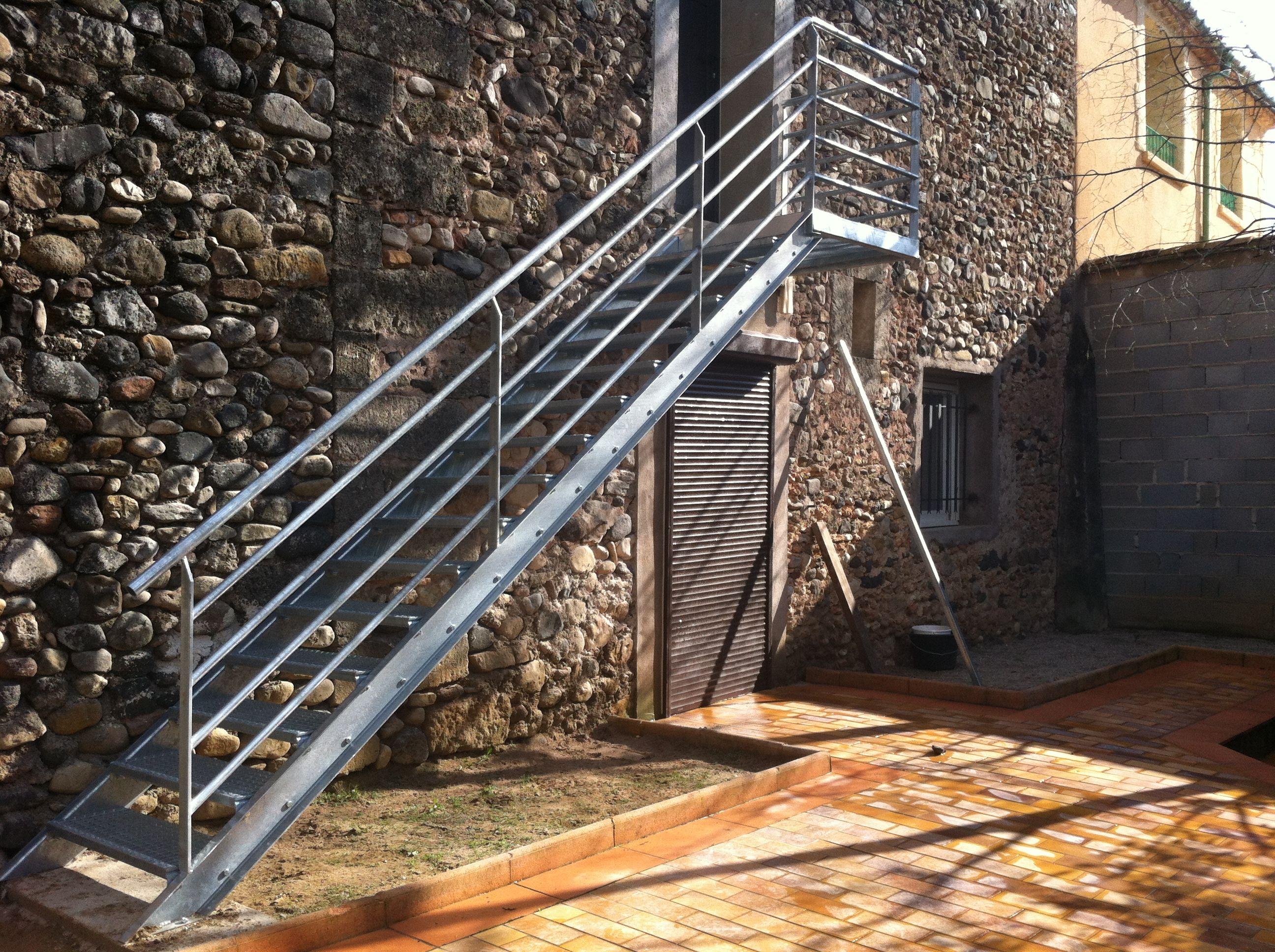 Escalier En Caillebotis Métallique intérieur escalier métal sur mesure béziers et alentours -mvp-escalier mÉtal